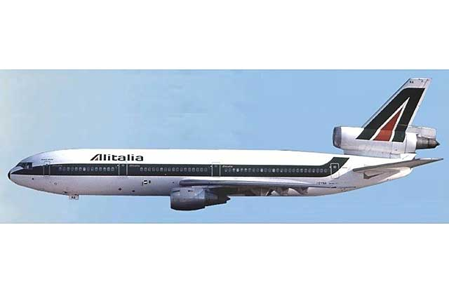 Alitalia DC-10-30 I-DYNA (1:500) - Preorder item, order now for future delivery