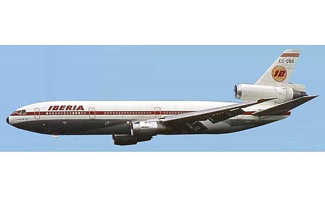 Iberia DC-10-30 EC-CBP (1:500) - Preorder item, order now for future delivery