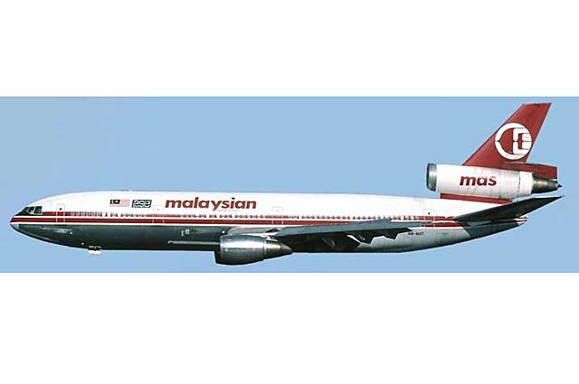 Malaysian DC-10-30 9M-MAT (1:500) - Preorder item, order now for future delivery