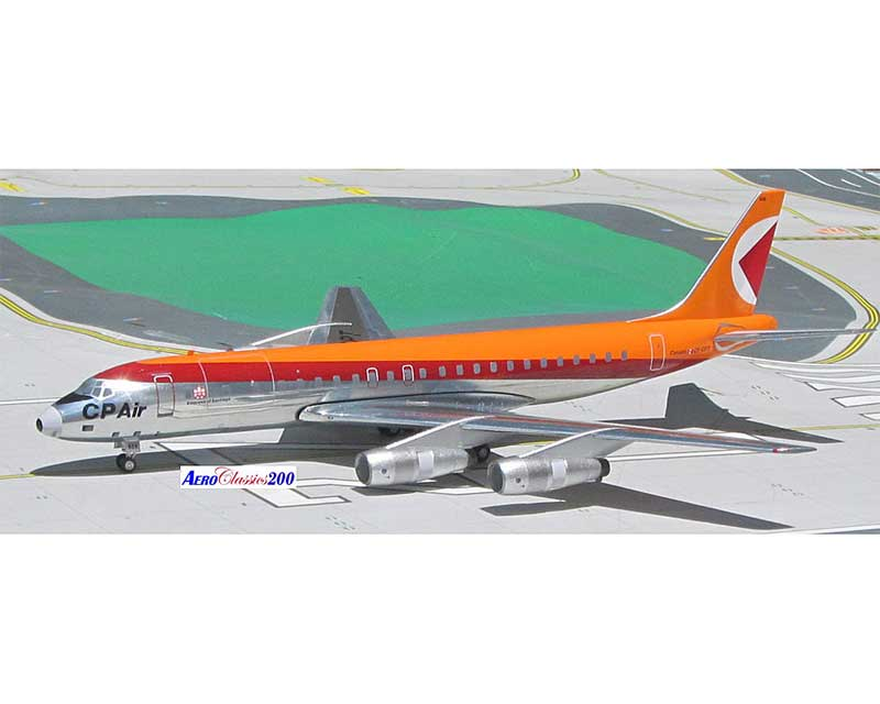 CP Air DC-8-40 CF-CPT (1:200) with 10 Piece Ground Equipment Set