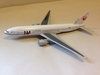 JAL Japan Airlines B 777-246 1:400
