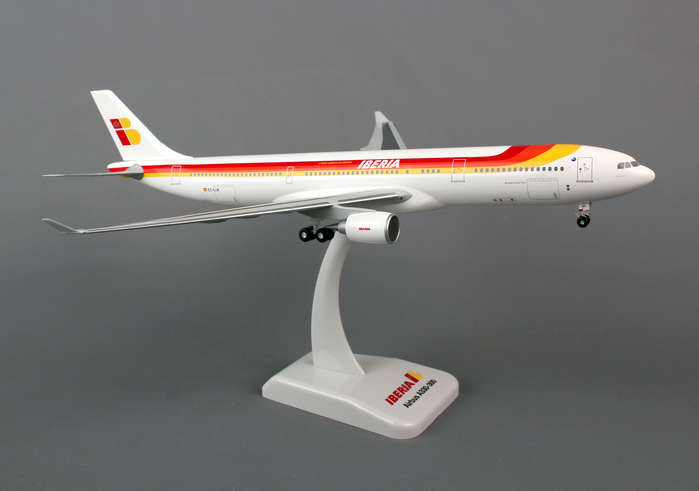 Iberia A330-300 (1:200) With Gear, Registration: EC-LUK