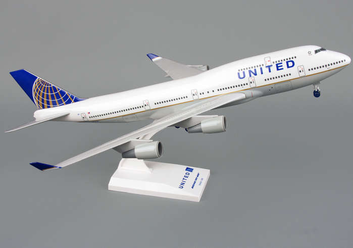 United 747-400 W/Gear Post Co Merger (1:200)