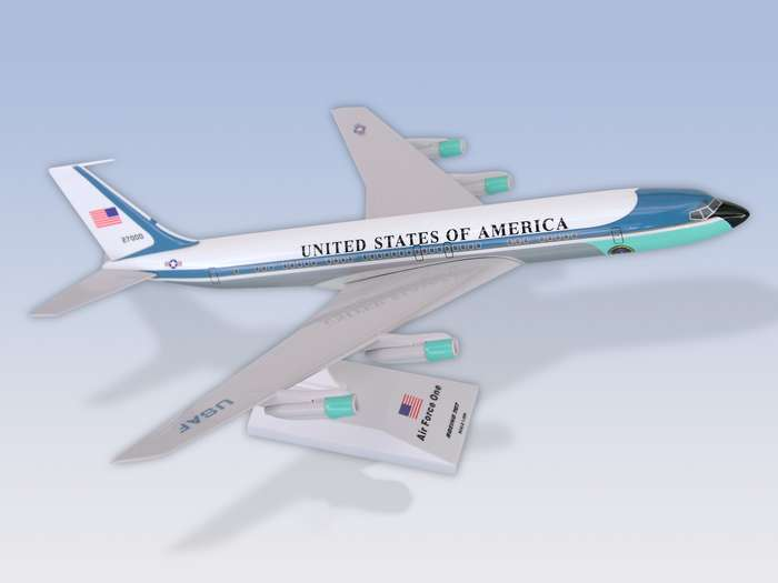 Air Force One VC-137 (707-300) (1:150) Reg: 27000