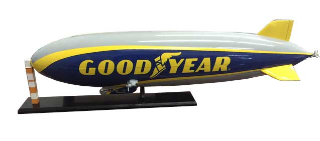 "Goodyear Blimp LX N07-01 ""Wingfoot One"" (1:300)"