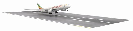 Ethiopian Airlines 787-8 w/Runway Section (1:400)
