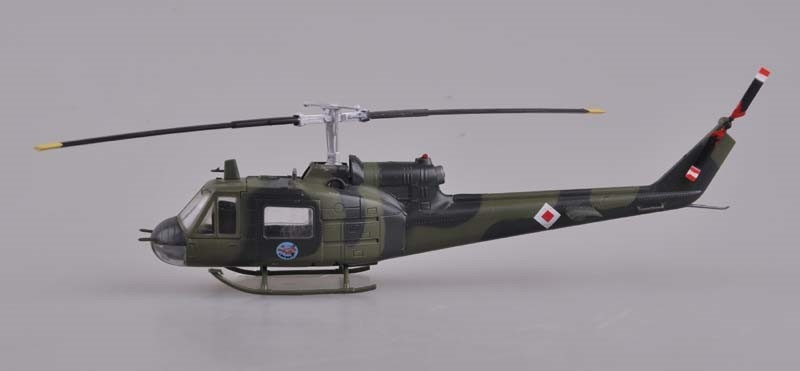UH-1B Huey Iroquois U.S.Army No. 64-13912, Vietnam, during 1967 (1:72)