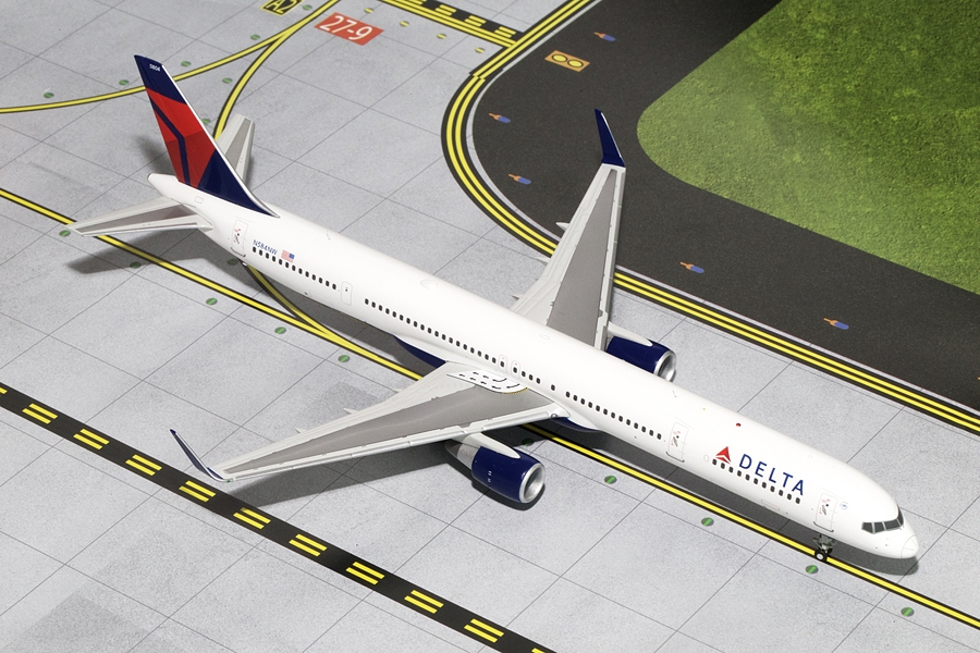 Delta B757-300W N584NW (1:200) - New Mould