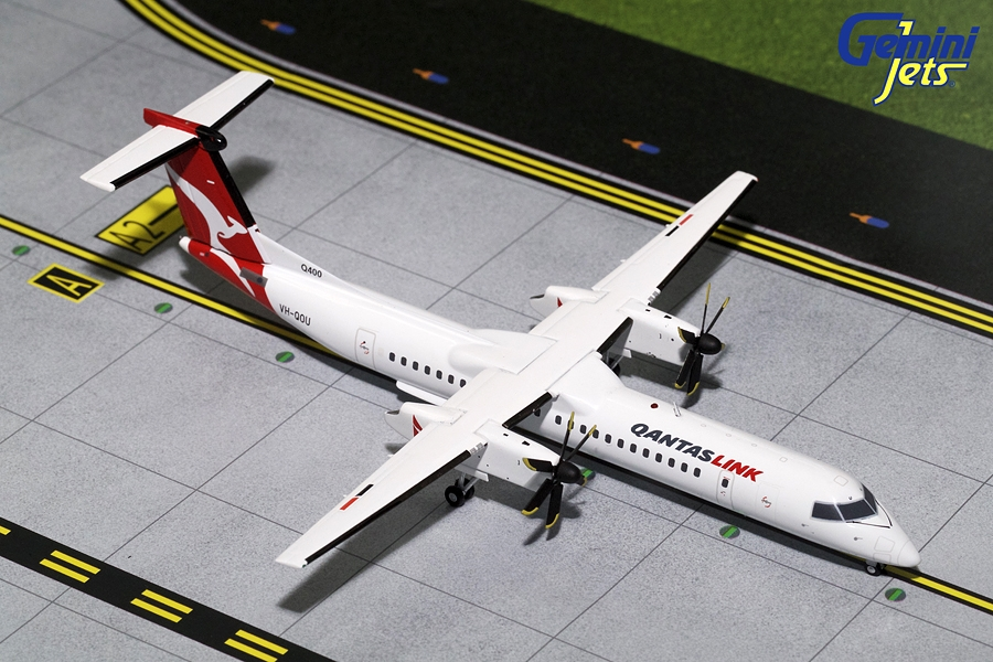 QantasLink Dash-8 Q-400 VH-QOU (1:200) - Preorder item, order now for future delivery