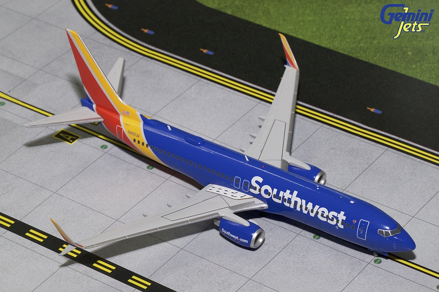 Southwest Airlines B737-800S with Scimitar N8653A (1:200) - Preorder item, order now for future delivery
