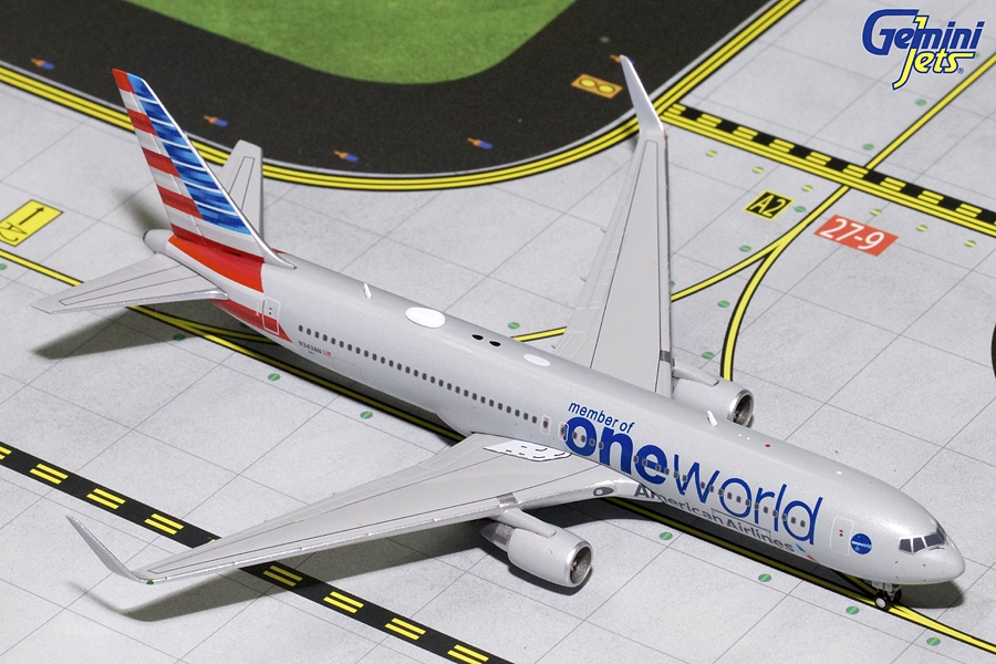 American Airlines B767-300W One World Livery N343AN (1:400) - Preorder item, order now for future delivery