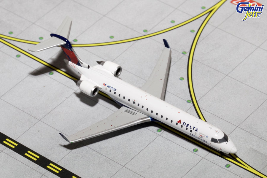 Delta Connection CRJ-700 N611QX (1:400)