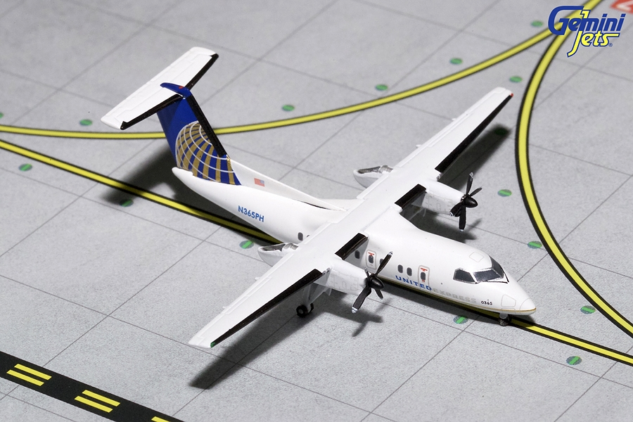 United Express Dash 8-200 N365PH (1:400)