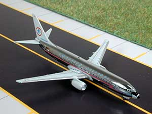 American B737-800 'Retro' Polished (1:500)