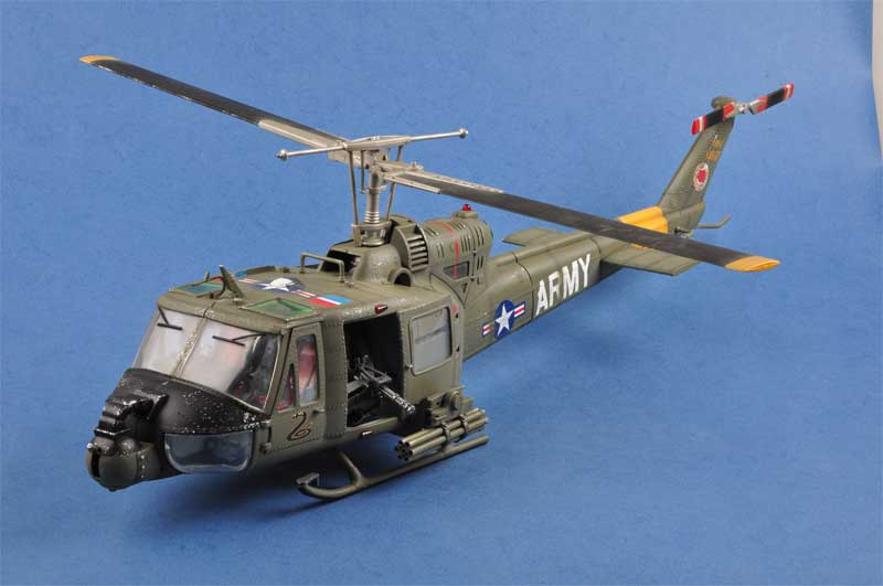 apache helicopter models with New Arrivals This Week From Corgi Ard Inflight Jfox Hobbymaster on Watch in addition Uh 60 Blackhawk 2 furthermore Huey besides FS2004 King Cobra as well 92269.