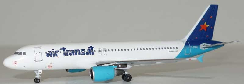 "Air Transat A320-200 F-GRSH ""1990s Hybrid Colors"" (1:400), AeroClassics Models Item Number AC19308"