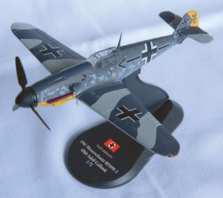 Bf 109F-2, General of Fighters Oblt. Adolf Galland, December, 1941 (1:72), Amercom Diecast Item Number ACSL09-02
