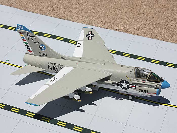 "US Navy A-7E Corsair II ""Raging Bulls"" USS Saratoga (1:72), GeminiAces 72 Diecast Fighters Item Number GAUSN9002"