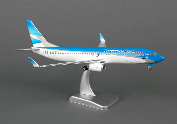 Aerolineas Argentinas 737-800W (1:200) With Gear, Hogan Wings Collectible Airliner Models Item Number HG0311G