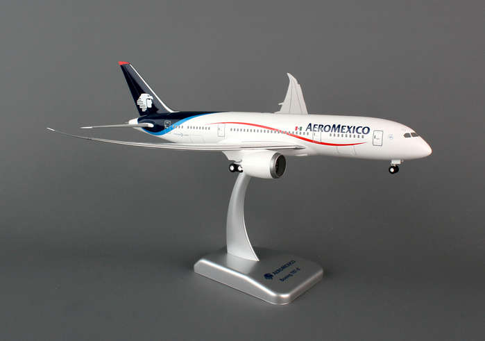 Aeromexico 787-8 (1:200) With Gear, Hogan Wings Collectible Airliner Models Item Number HG4753G
