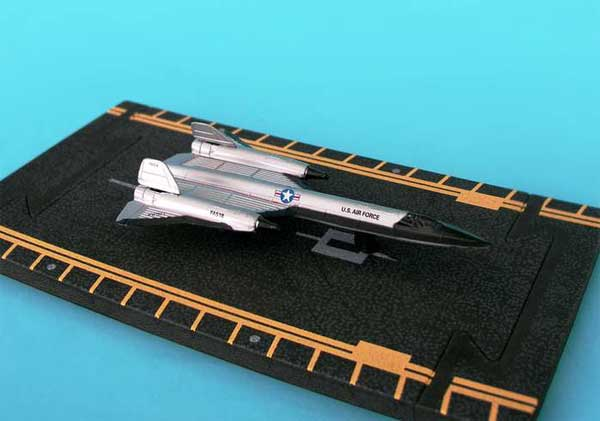 "SR-71 Silver (Approx. 5""), Hot Wings Toy Airplanes Item Number HW14142"