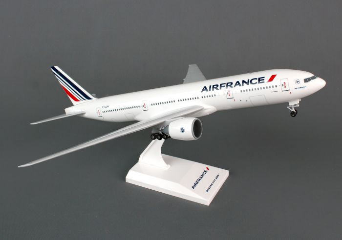 Air France 777-200 F-GSPX with Gear (1:200) by SkyMarks Airliners Models item number: SKR781