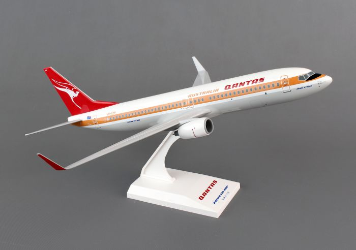Qantas 737-800, Retro Livery (1:130) by SkyMarks Airliners Models item number: SKR819