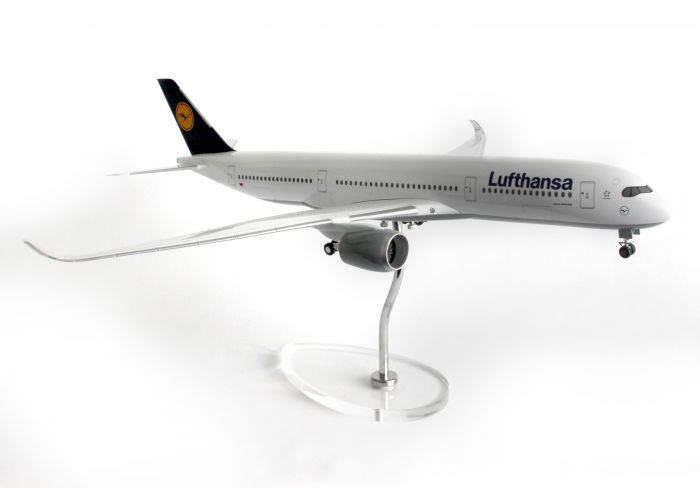 Luftansa A350-900 (1:200) with Stand and Gear by Skymarks Supreme Desktop Aircraft Models item number: SKR8805