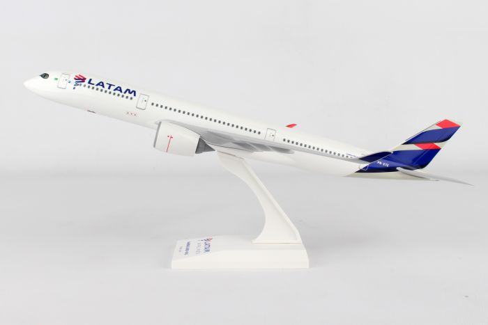 LATAM A350 PR-XTE (1:200) by SkyMarks Airliners Models item number: SKR937
