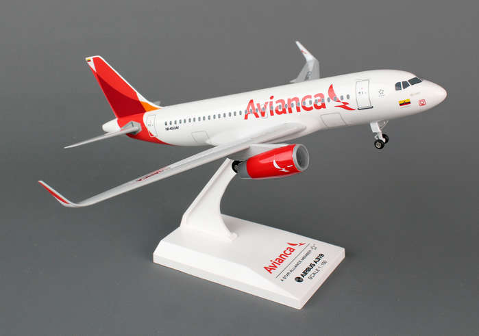 Avianca A319 (1:150) with Gear