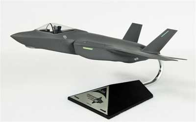 Conventional F-35A USAF (1:48) by Executive Series Display Models item number: CF035AAFCCTP