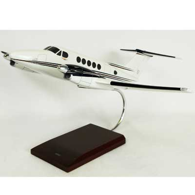 B200 Super King Air  (1:32), TMC Pacific Desktop Airplane Models Item Number KBB200SATR