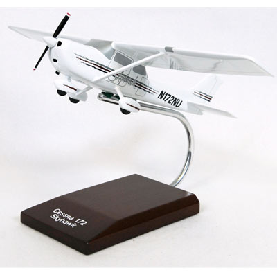 Cessna Model 172 Skyhawk (Modern) (1:32), TMC Pacific Desktop Airplane Models Item Number KC172TR