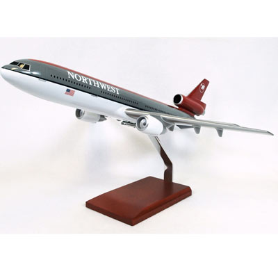 DC-10-30 Northwest (1:100)