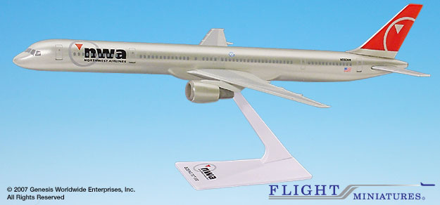 Northwest 757-300  (New Colors) (1:200), Flight Miniatures Snap-Fit Airliners, Item Number BO-75730H-006