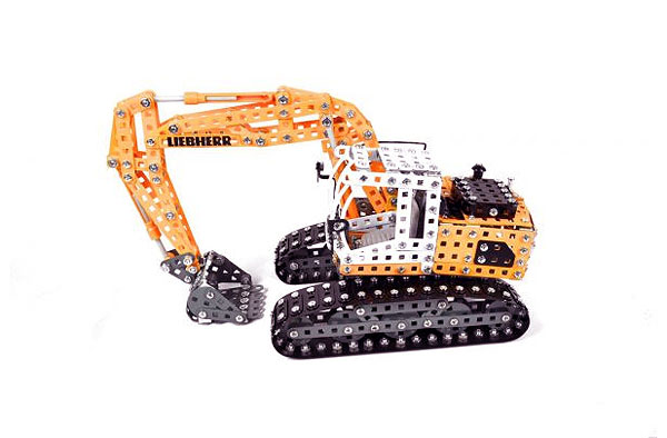 Liebherr 360 Excavator - Metal Construction Kit (1:25)