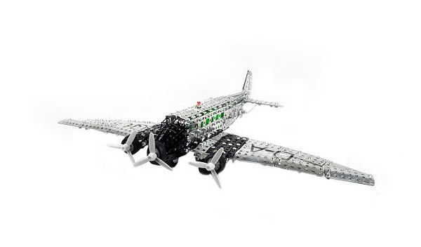Junkers Tri-motor Airplane - Battery Operated (1:50)
