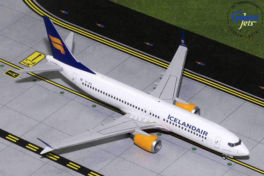 Icelandair B737 MAX-8 New Livery TC-ICE (1:200)
