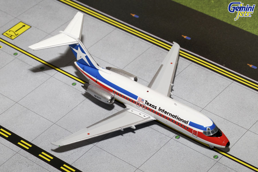 Texas International DC-9-15 Final Livery, Polished N1307T (1:200)