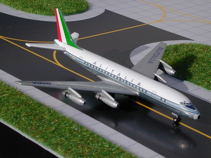 Alitalia DC-8-40 (Delivery Colors) (1:400), GeminiJets 400 Diecast Airliners, Item Number GJAZA157