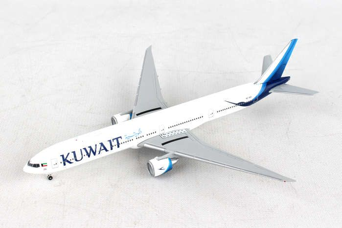 Kuwait Airways Boeing 777-300ER new colors 9K-AOC (1:500), Herpa 1:500 Scale Diecast Airliners Item Number HE530750