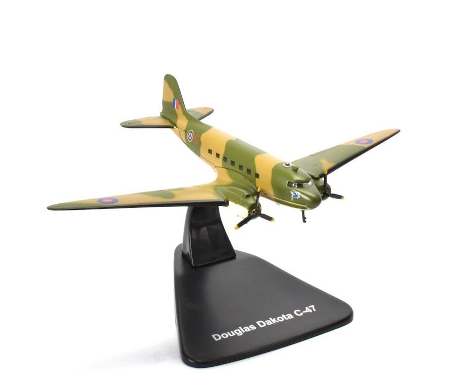 Douglas C-47 Dakota, No. 267 Squadron, Royal Air Force (1:144)