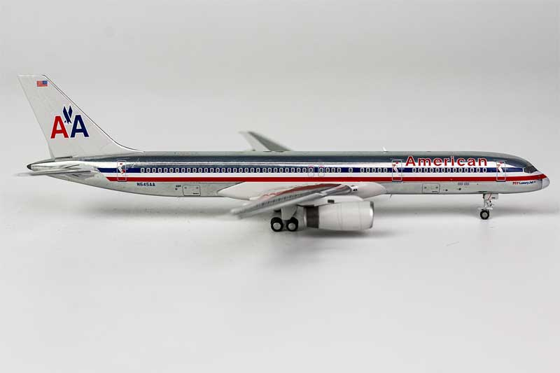 "American Airlines 757-200 N645AA Old Colors ""757 Luxury Jet"" (1:400)"