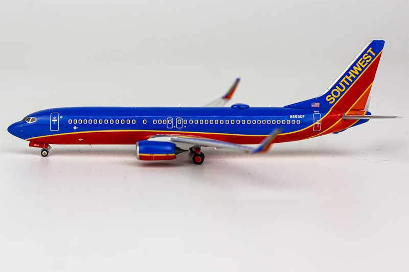 Southwest Airlines 737-800 with winglets N8650F Canyon Blue livery (1:400)