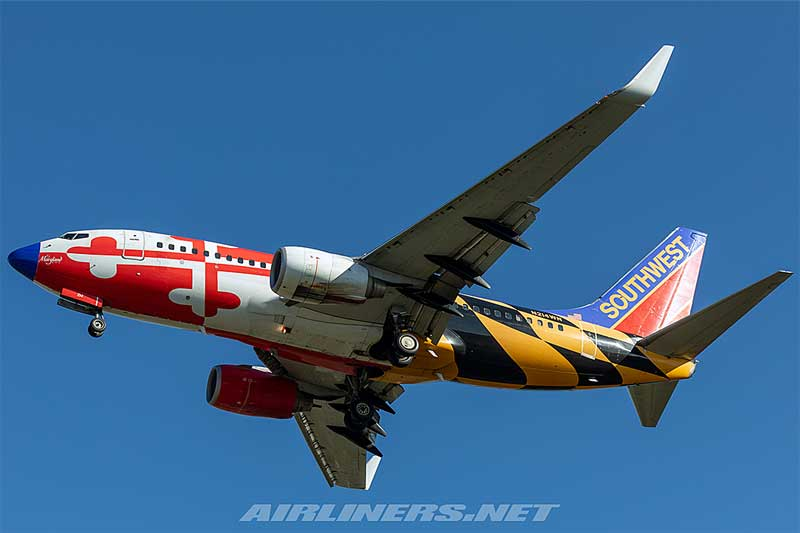 Southwest Airlines 737-700 with Winglets N214WN Maryland One Livery with Canyon Blue tail, blue nose (1:400)