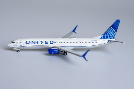 United Airlines 737-900ER with Winglets N38417 Eco-Blue livery, with scimitar Winglets  (1:400)