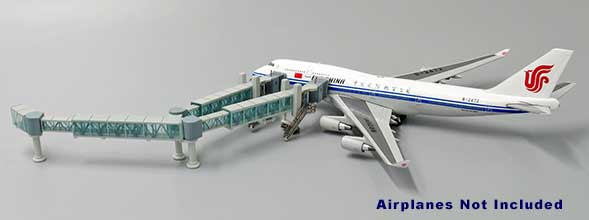 Wide Body Airliner Passenger Air Bridge Jetway, Aircraft not included (1:400)