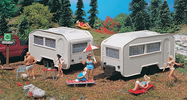 Camping Trailers - Set of 2 Figures HO