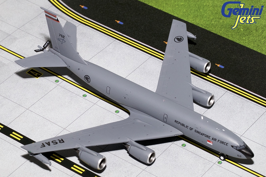 Singapore Air Force KC-135R 752 (1:200)