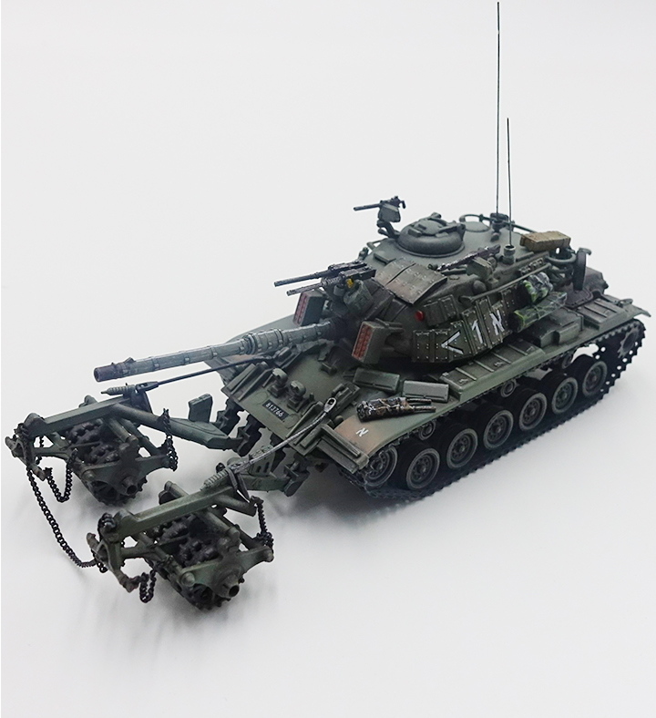 Magach 6 (M60A1) with KMT-4 Mine Roller Israel Defense Forces, Lebanon, 1982 (1:72)